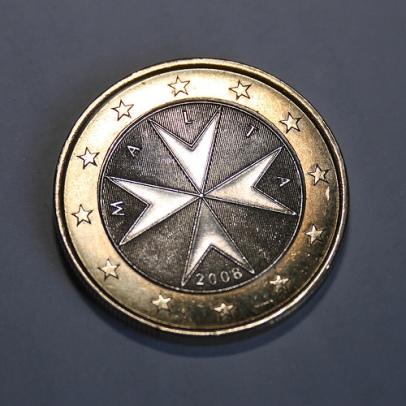 poderes unidos - Euro con Cruz de Malta2