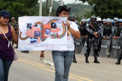 poderes unidos - manifestación en Tegucigalpa_01
