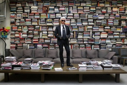EXCLUSIVE. Karl Lagerfeld poses in his studio - Paris