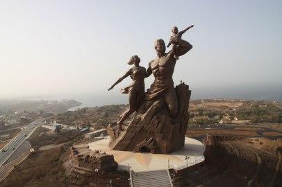 PoderesUnidos - The African Renaissance Monument (Senegal)_01