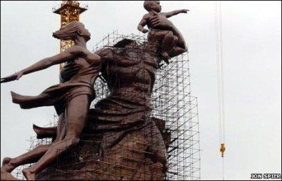 PoderesUnidos - The African Renaissance Monument (Senegal)_05a