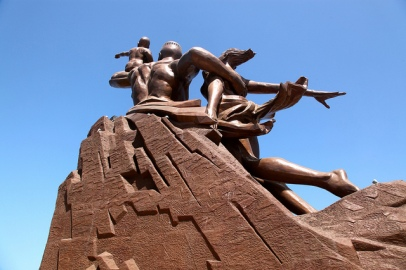 PoderesUnidos - The African Renaissance Monument (Senegal)_06