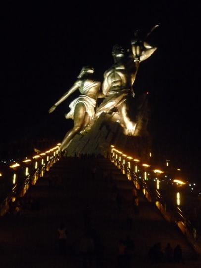 PoderesUnidos - The African Renaissance Monument (Senegal)_08b